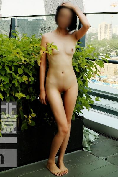 [Nakedangel.Club] 湯不熱瘋狂的北京天使極品妹極限挑戰戶外