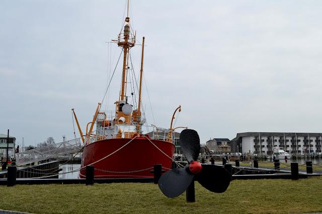 корабель Оферфоллс(Lightship Overfalls), Льюїс, штат Делавер (Lewes, DE)