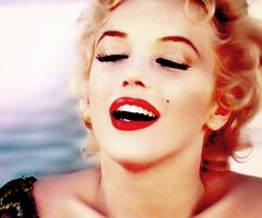 marilyn monroe chanel lips