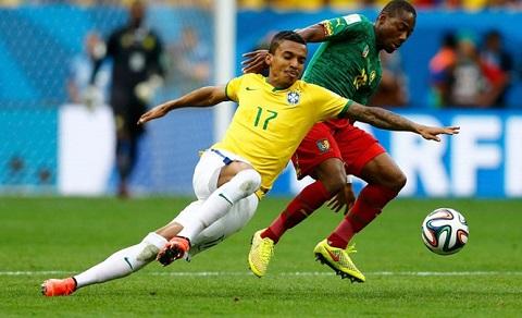 Luiz Gustavo là cầu thủ có tên trong danh sách tham dự Copa America