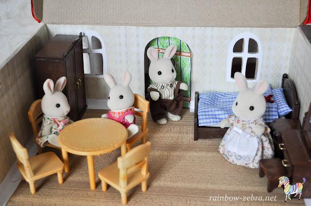 Новая мебель в кукольном домике