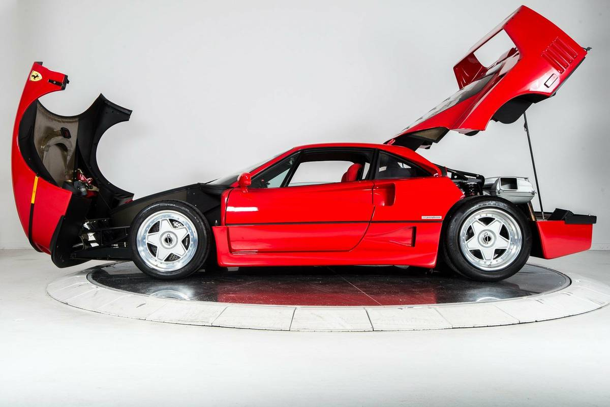 1 5 Million Ferrari F40 With 2 000 Miles Is One Of Craigslist S Finest