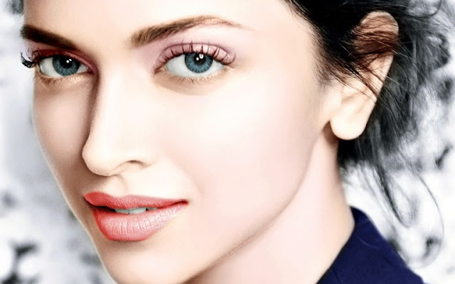 Deepika Padukone Is The One Of Top Actress Bollywood Started His Carrerr In With Movie Om Shanti Shahrukh Khan And Never