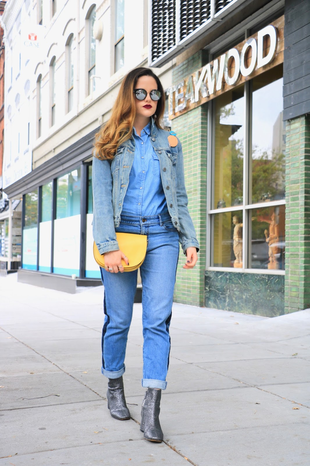Nyc fashion blogger Kathleen Harper shows how to wear a chambray top
