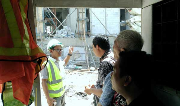 dprd inspeksi mendadak proyek gedung setda kota cirebon