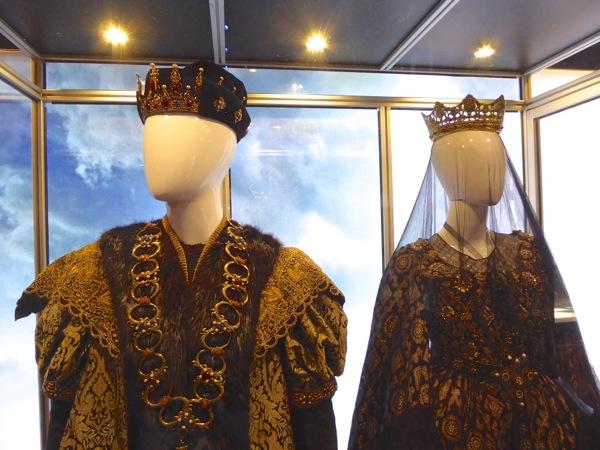 Assassins Creed royal costumes