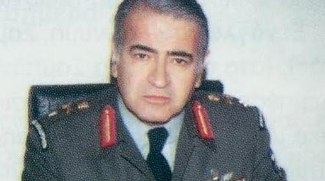"""ΚΑΛΟ ΤΑΞΙΔΙ ΚΟΜΑΝΤΟ ! """"Έφυγε"""" ο Ταξίαρχος Γιώργος Παπαμελετίου. Ο γενναίος Κομάντο της Κύπρου που πολέμησε την Τουρκιά. Ο Διοικητής των Καταδρομέων που δεν λύγισε ποτέ, γονάτισε στον"""