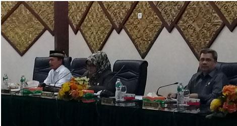 Seluruh fraksi mengkritisi kelemahan Pemko Padang