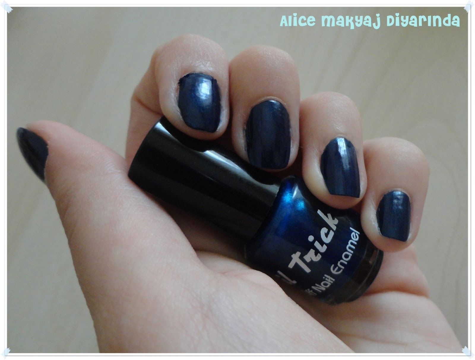 Nail Trick Peel Off Soyulan Oje- Blue Black