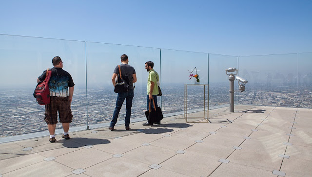Informações sobre o tobogã de vidro inaugurado em Los Angeles