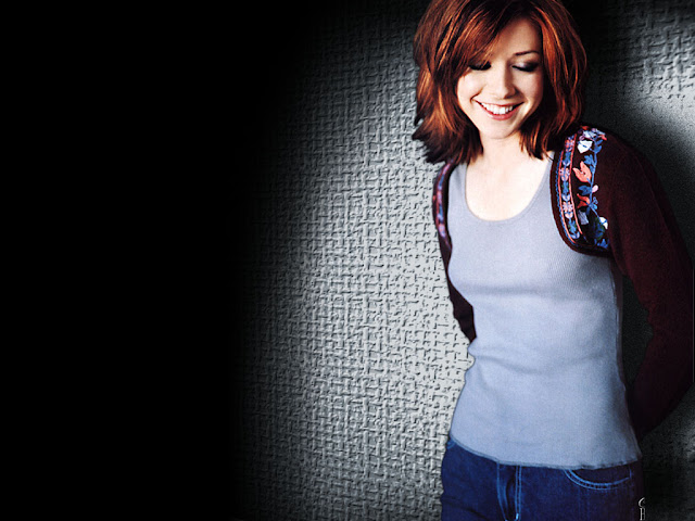 Alyson Hannigan HD Wallpapers Free Download