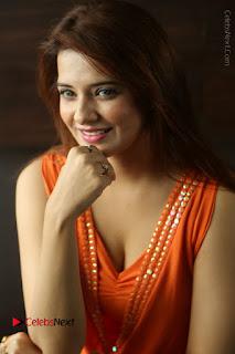 Actress Saloni Aswani Pos in Short Dress at Meelo Evaru Koteeswarudu Movie Interview  0105.JPG