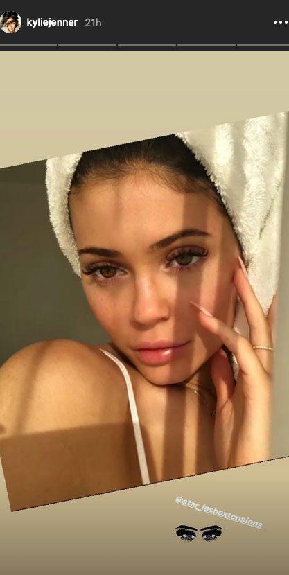 Kylie Jenner Seemingly Shades Jordyn Woods, Promotes