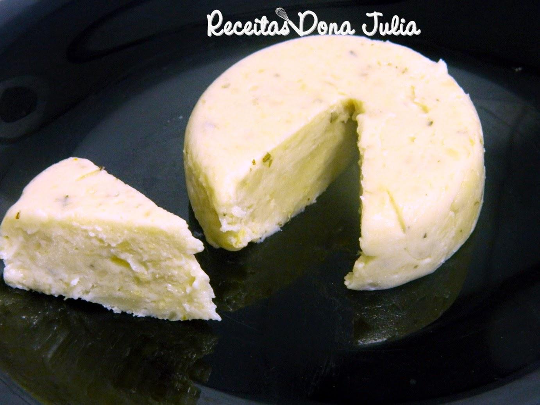 Queijo sem leite (feito de mandioca)