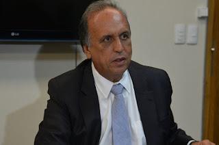 http://vnoticia.com.br/noticia/2504-ministerio-publico-do-rio-denuncia-pezao-por-improbidade-administrativa