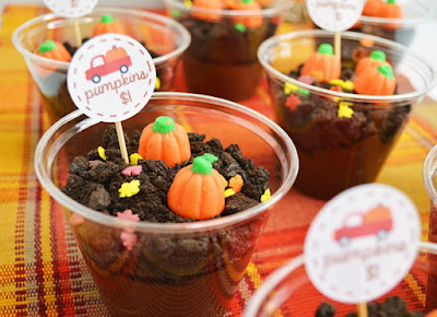 dirt pudding cups ready for the pumpkin patch