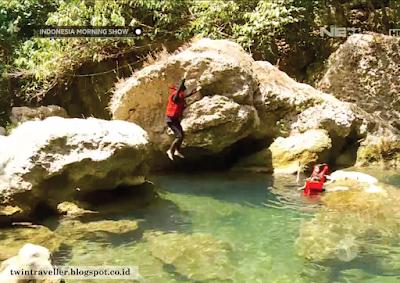 Loncatan Menaklukan Ketakutan di Sungai Citumang