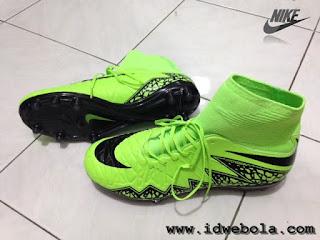 Sepatu Bola Nike Hypervenom II Hijau