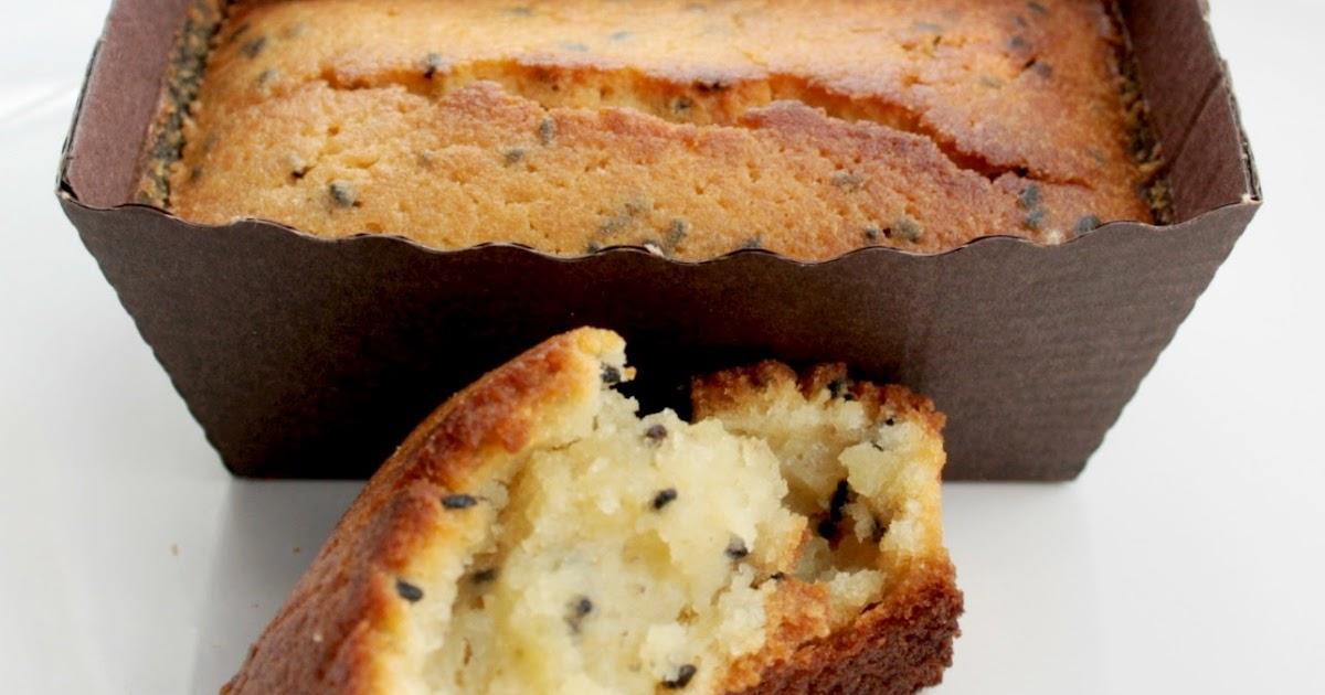 Graze Lemon And Poppy Seed Cake