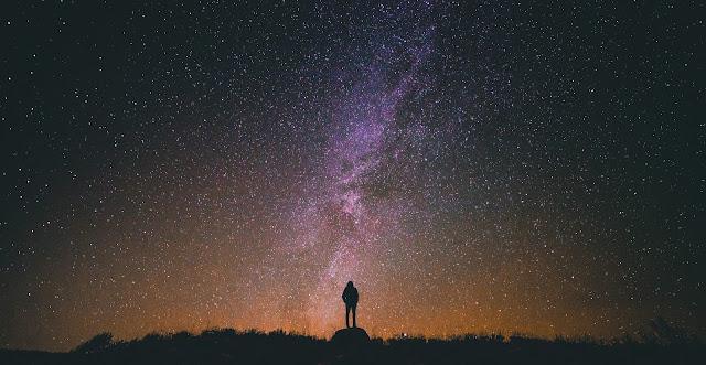 বৃহৎ নক্ষত্রদের জন্ম, জীবনকাল এবং মৃত্যু