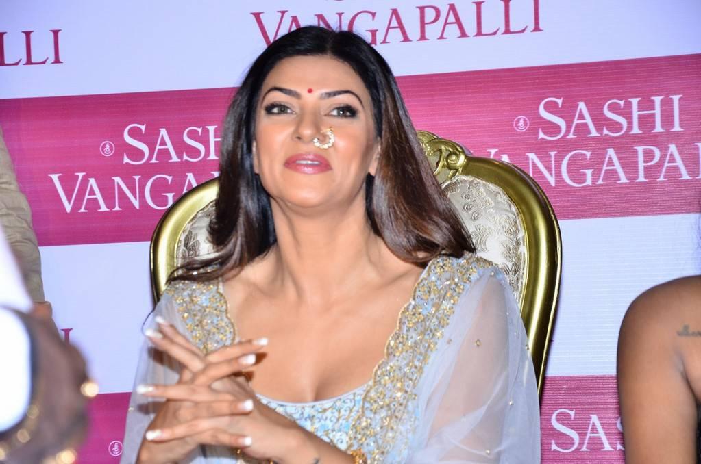 Sushmita Sen At Sashi Vangapalli Designer Store Launch In Banjara Hills