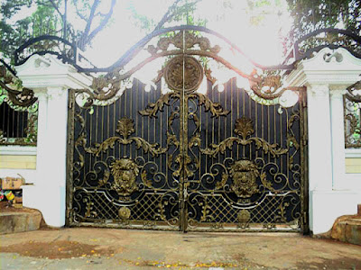 gerbang besi tempa untuk pintu rumah mewah