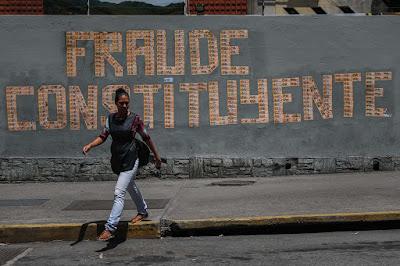 """Los concejales metropolitanos de la unidad democrática por Un Nuevo Tiempo (UNT), José Gregorio Caribas y Oscar González F y los Concejales de Baruta, Omar  Villaba y Humberto Montiel,  rechazaron  de forma categórica el nuevo golpe de estado en contra de la Institución Municipal en Venezuela, luego de la arbitraria destitución de los Alcaldes de Chacao y Mérida y la posibilidad de que el Alcalde de El Hatillo corra con la misma suerte que sus homologos.  Nota de Prensa   Para Caribas, esta disposición tomada de forma arbitraria por el tribunal, deja en evidencia las intenciones del Gobierno """"de castigar a cualquiera que se oponga a los designios de Maduro, quien con su constituyente fraudulenta pretende instaurar un marco legal a su medida, que le permita seguir violentando los derechos humanos de la población y lo mantenga en el poder de forma indefinida"""", recalcó.  González también cree que esta medida tomada contra de la población de Chacao forma parte de un golpe de Estado continuado en contra de los poderes constituidos que están en manos de la oposición, resaltando la persecución actual contra los alcaldes de Los Salias, Maracaibo, Lecherías, Carrizal y El hatillo, entre otros, los cuales han sido acusados de promover o no detener la  violencia en sus municipios, por el simple hecho de negarse a utilizar las policías municipales para reprimir a los manifestantes en sus respectivos municipios.  Villalba hace un llamado a la población a rechazar tales decisiones que vulnera el estado de derecho, estas poblaciones eligieron a sus alcaldes por un periodo determinado y es mediante el voto que deben ratificarlo o removerlos.  Igualmente denunciamos la persecución en contra de los Concejales electos por la población, entre tanto casos denunciamos la arremetida en contra del edil Charly Aponte Concejal en Mérida.  Una vez más, manifestamos nuestro rechazo ante esta nueva golpe a la CRBV y  a la democracia, que deja ver claramente que el Gobierno Nacional sabe que la """
