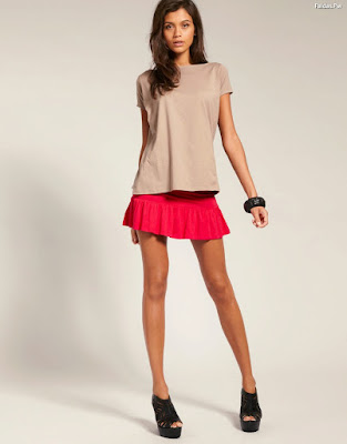 Faldas Cortas de Vuelo