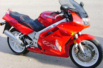http://www.reliable-store.com/products/honda-vfr750f-service-repair-manual-1990-1991-1992-1993