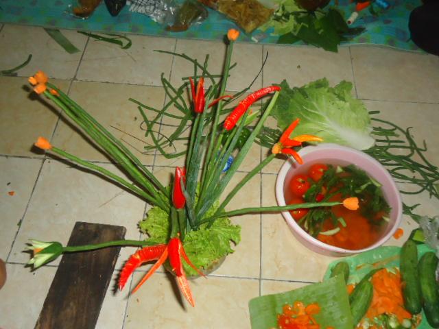 Tumpeng Merdeka Lengkap dengan Ingkung dan Vas Bunga