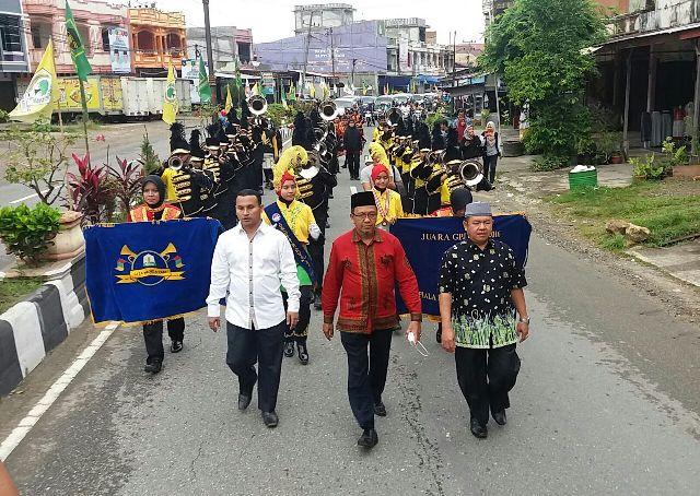 Bawa Pulang Piala Presiden Marching Band Gita Handayani Show Di Tapak Tuan