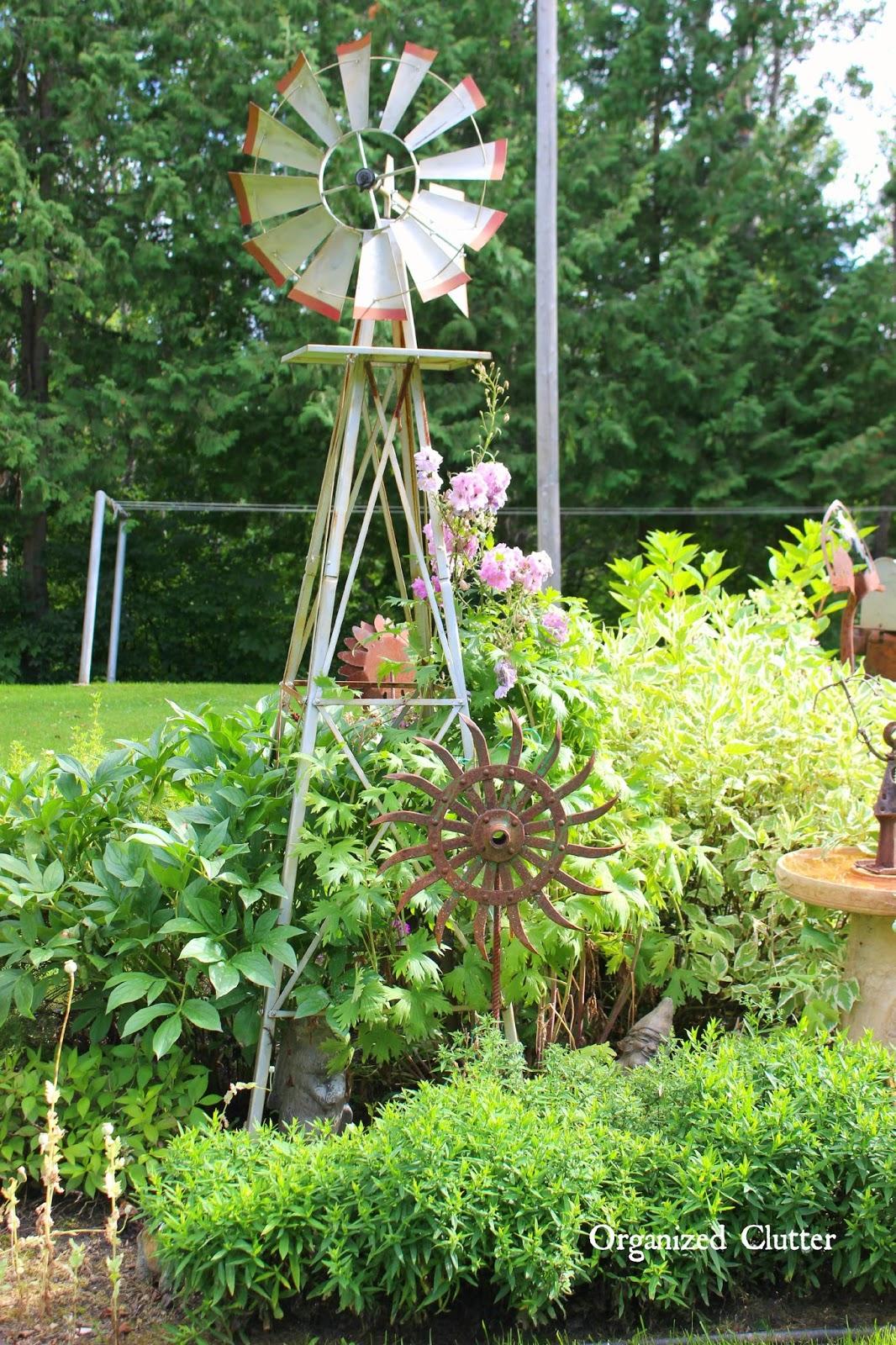 awesome outdoor junk gardens wwworganizedclutternet - Prim Garden