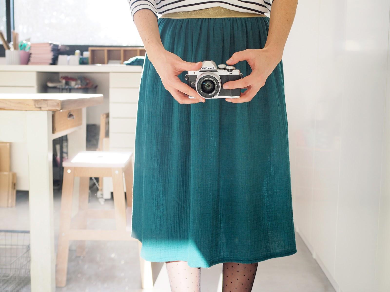 coudre une jupe pour moins de 15 pour mes jolis m mes mais pas que. Black Bedroom Furniture Sets. Home Design Ideas