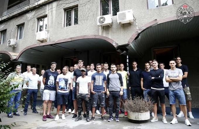 Humanost: Fudbaleri Partizana dobrovoljno dali krv!
