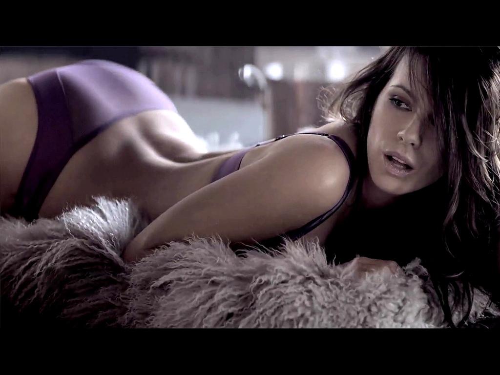 Kate Bekinsale Sexy 43