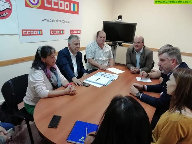 Ángel Víctor Torres traslada a empresarios y sindicatos los beneficios sociales de los Presupuestos del PSOE para La Palma