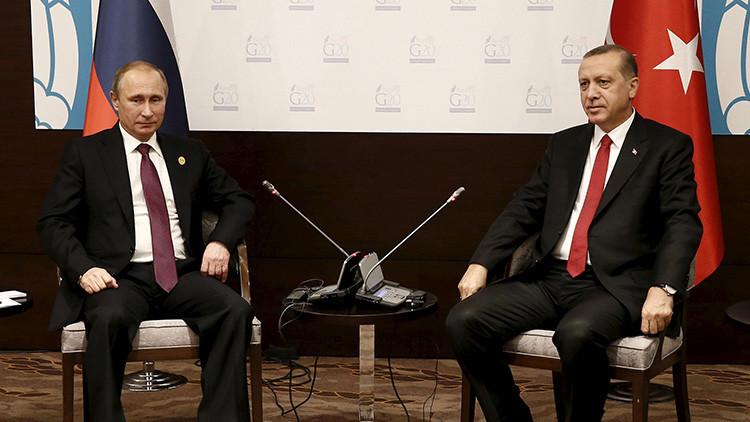 """""""Se peleó con todo el mundo"""": ¿Por qué Erdogan pide ahora disculpas a Rusia?"""