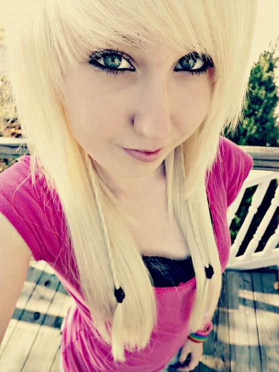 Pretty Emo Blonde 101