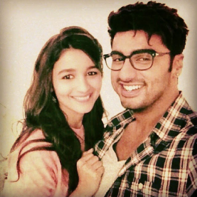 howsss dis.!! 2 states lovers great selfeiii.. so cute both smile . @aliaabhatt   alia bhatt , soc ute , 2 states , cuteness , smile like , like4like ,, Alia Bhatt Hot Pics With Co-stars