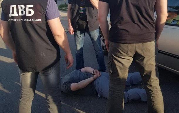 У Житомирській області на хабарі затримали підполковника поліції