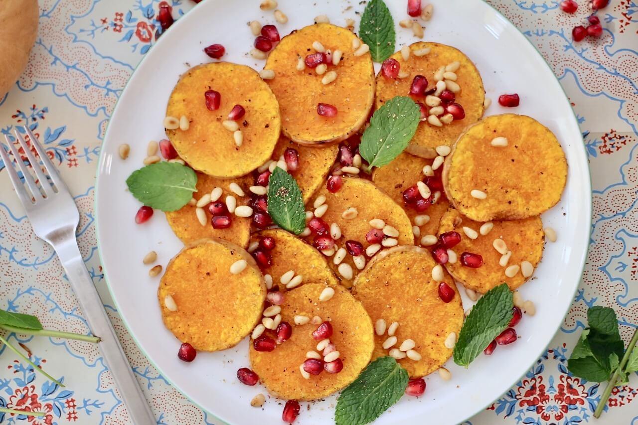 Kürbissalat mit Granatapfelkernen