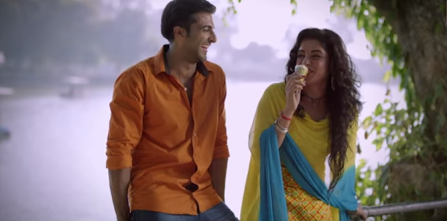 Akshay Oberoi and Piaa Bajpai from the movie Laal Rang.