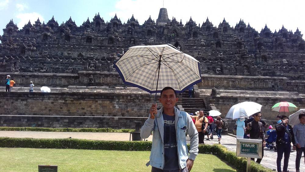 Candi Borobudur ~ Candi Nan Megah Bukti Adanya Peradaban Besar Di Indonesia Pada Masa Lalu