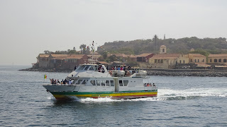 Ferry brings tourists to the Ile de Gore