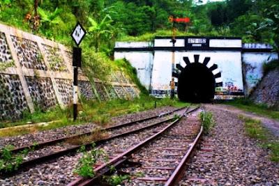 Terowongan KA Lampegan