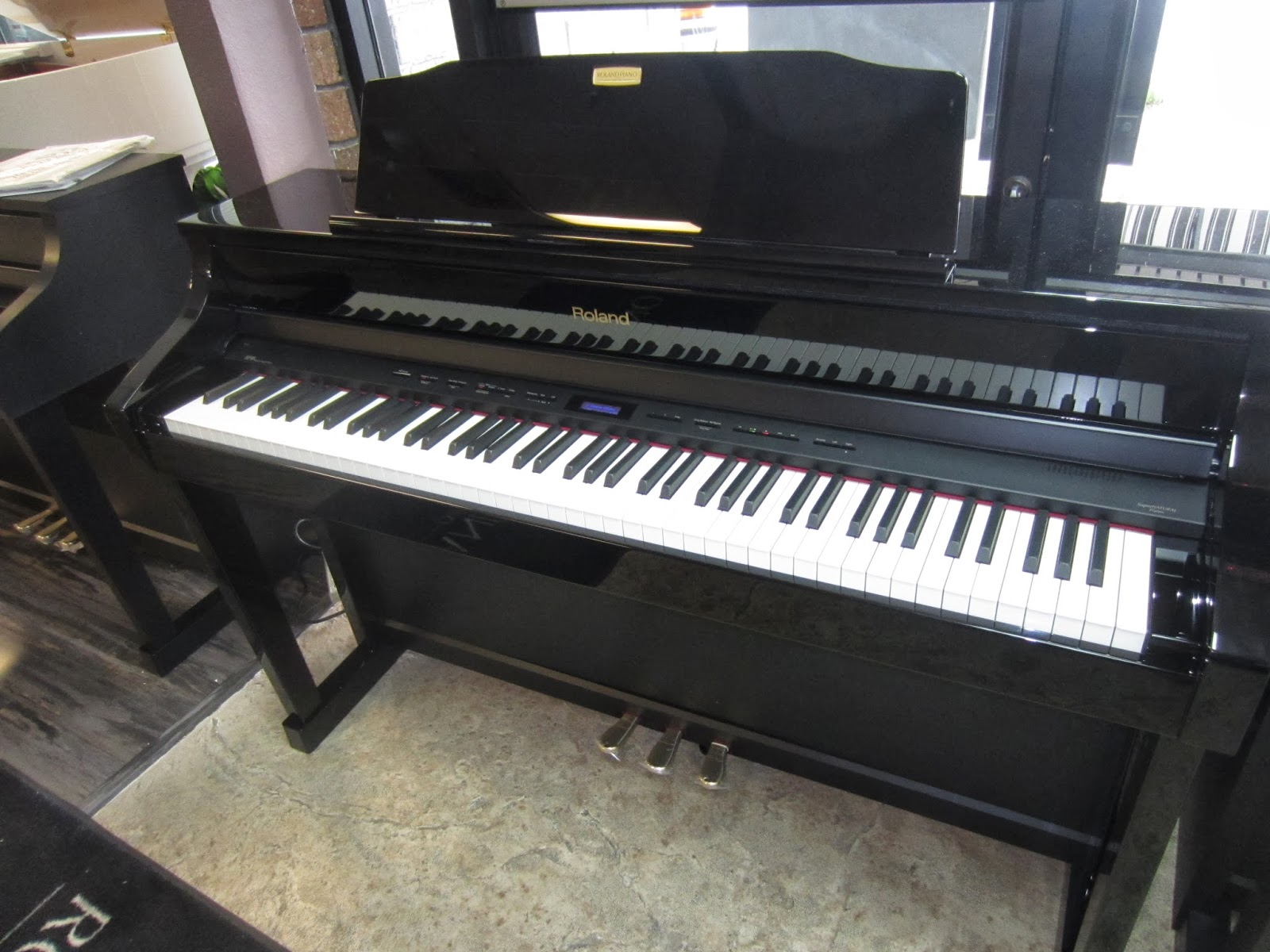Roland HP508 digital piano