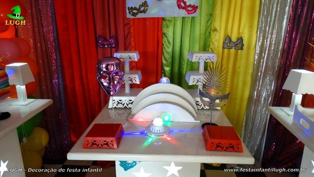 Decoração tema Carnaval para aniversário - Festa teen - Mesa provençal