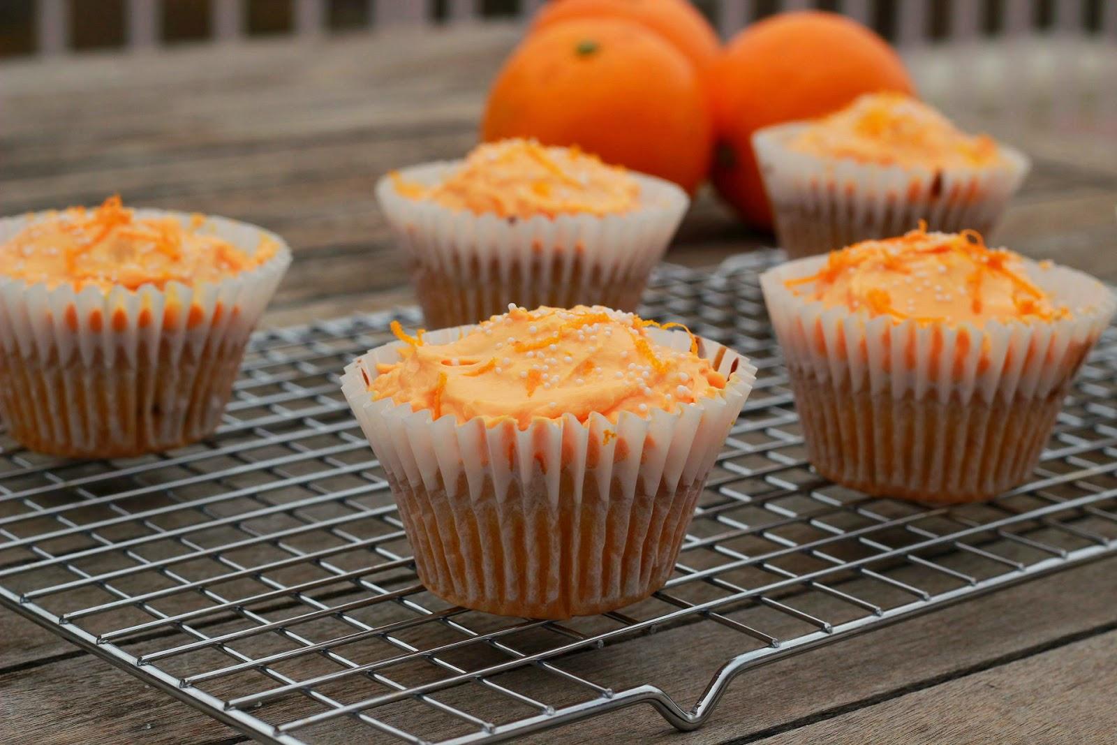 Magdalenas de Naranja y Uvas Pasas con Crema de Queso