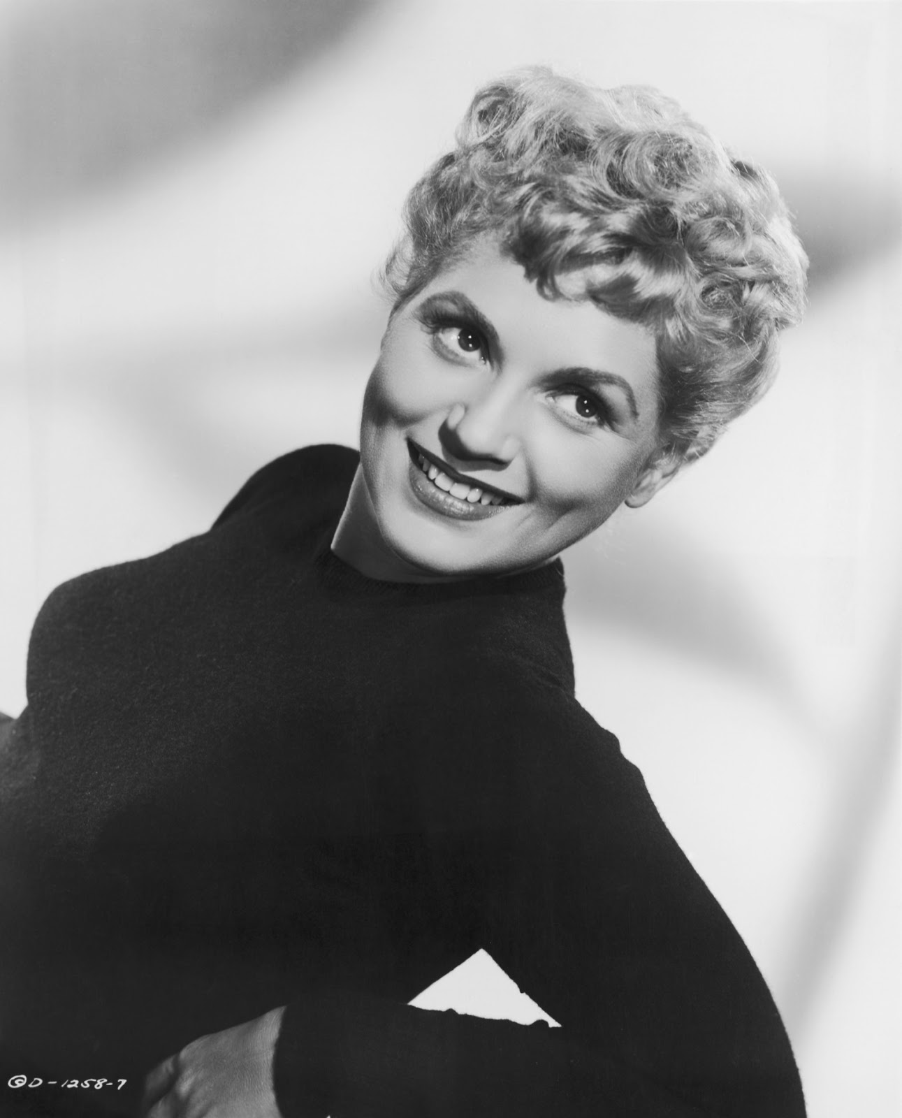 Judy Holliday naked (93 photo), Pussy, Hot, Selfie, braless 2006