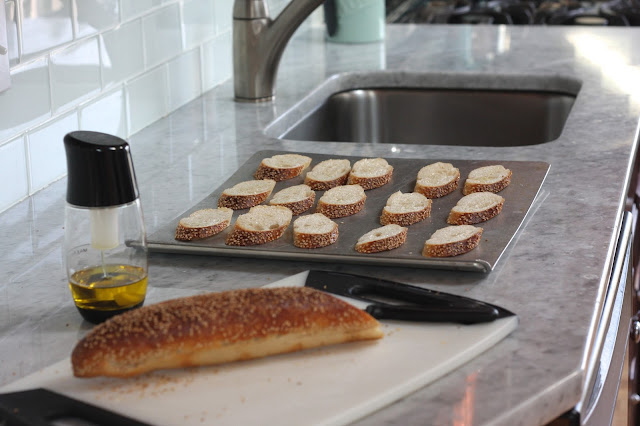Ricotta Toasts with Honey and Thyme